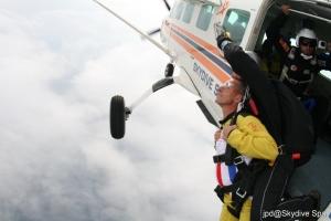 parachute jacques.jpg
